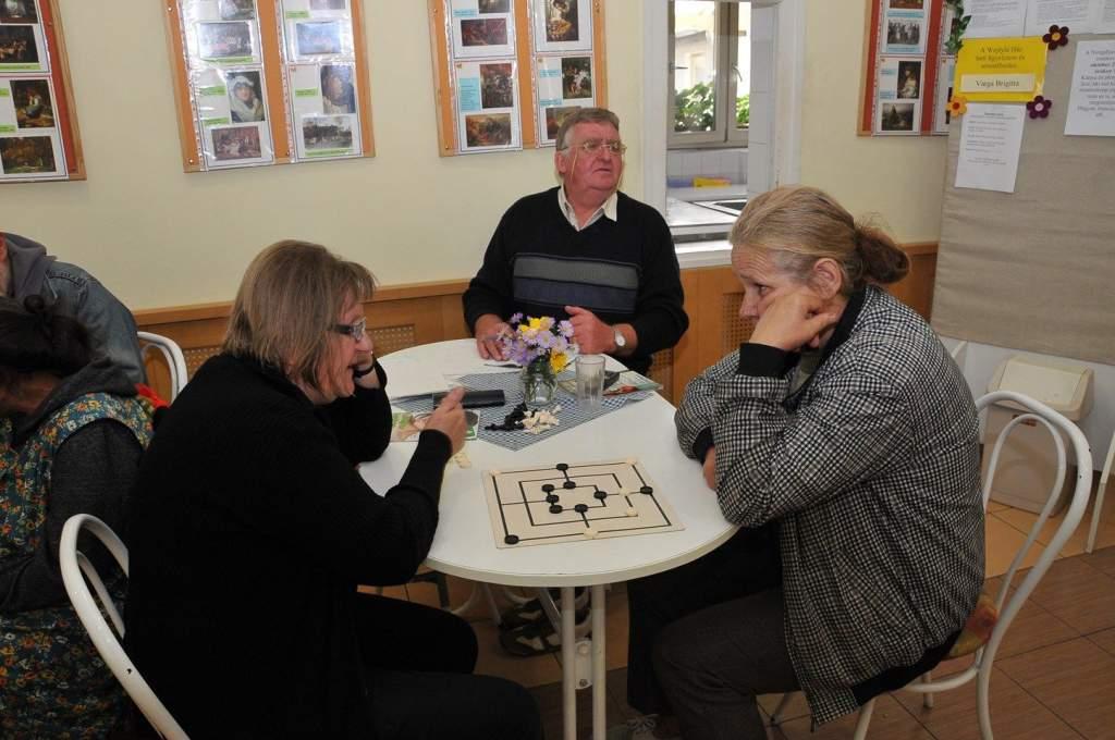 A nyugdíjas klub első összejövetele
