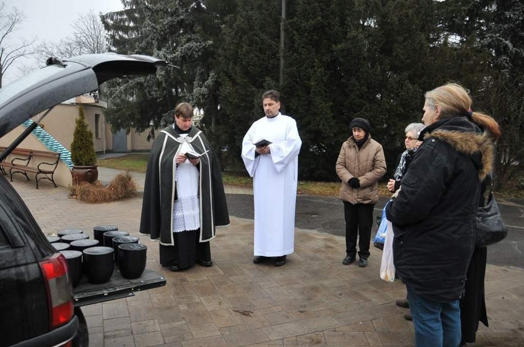 Szociális temetésen vettek részt a Wojtyla Ház önkéntesei