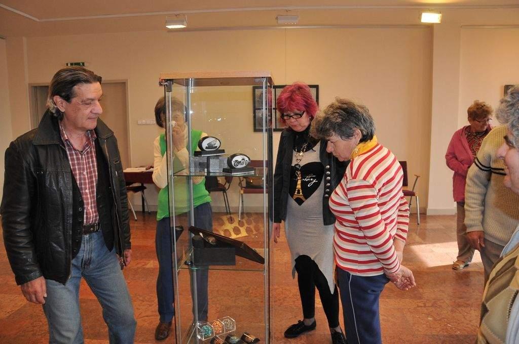 Szutor Gabriella tojás kiállításán járt a Wojtyla Ház nyugdíjasai