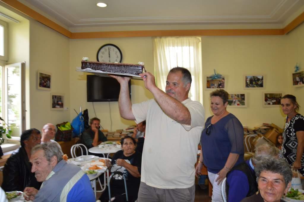Magas rangú állami kitüntetést kapott Tőzsér Judit – A Gong Rádió mai meglepetése a Wojtyla Házban