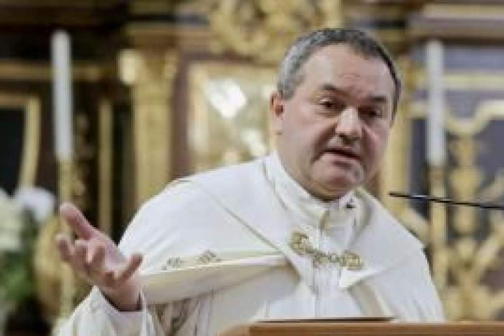 Felföldi Lászlót pécsi megyéspüspökké nevezte ki Ferenc pápa