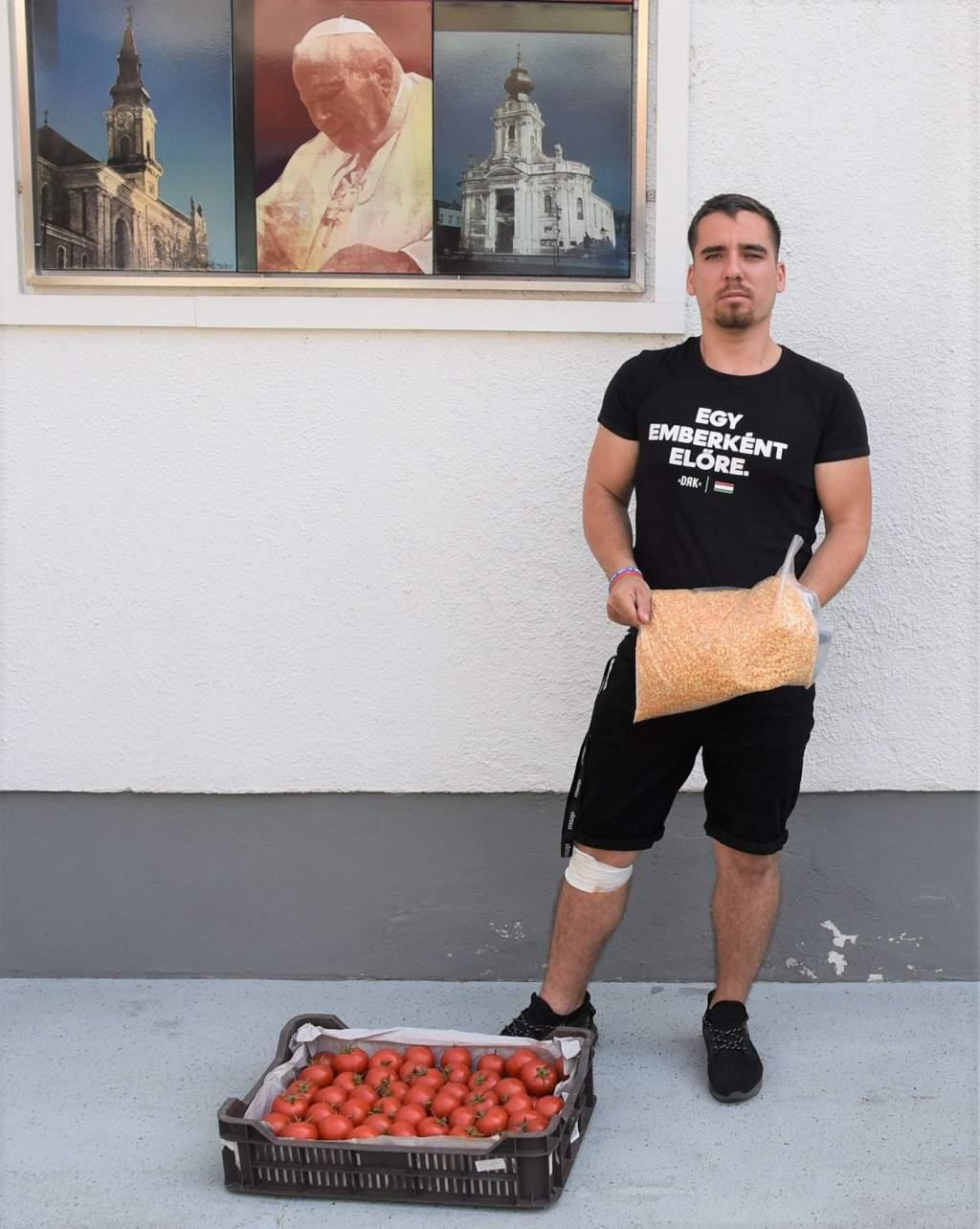 Gyuris Dávid adománya: sárgaborsó és paradicsom