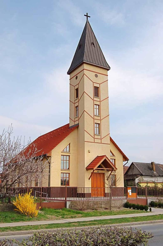 Érseki szentbeszédek: a hit szolgálatában - 2012 október 7. Dunavecse
