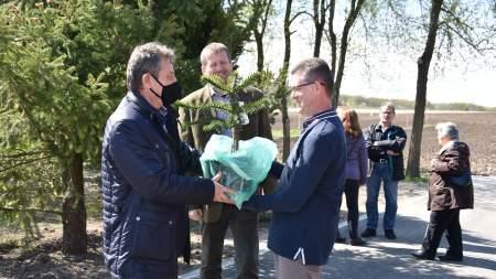 Magántulajdonú, közösségi célokra is szánt botanikuskert nyílt Belsőnyírben