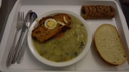 Sütő László és családja étkeztette a szegényeket